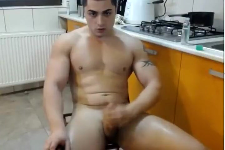 Steamy Muscle Stud Jack Off