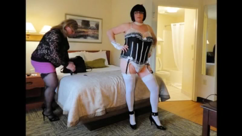 Crossdressers Amber And Kitt Very First Internet Web Cam Demonstrate