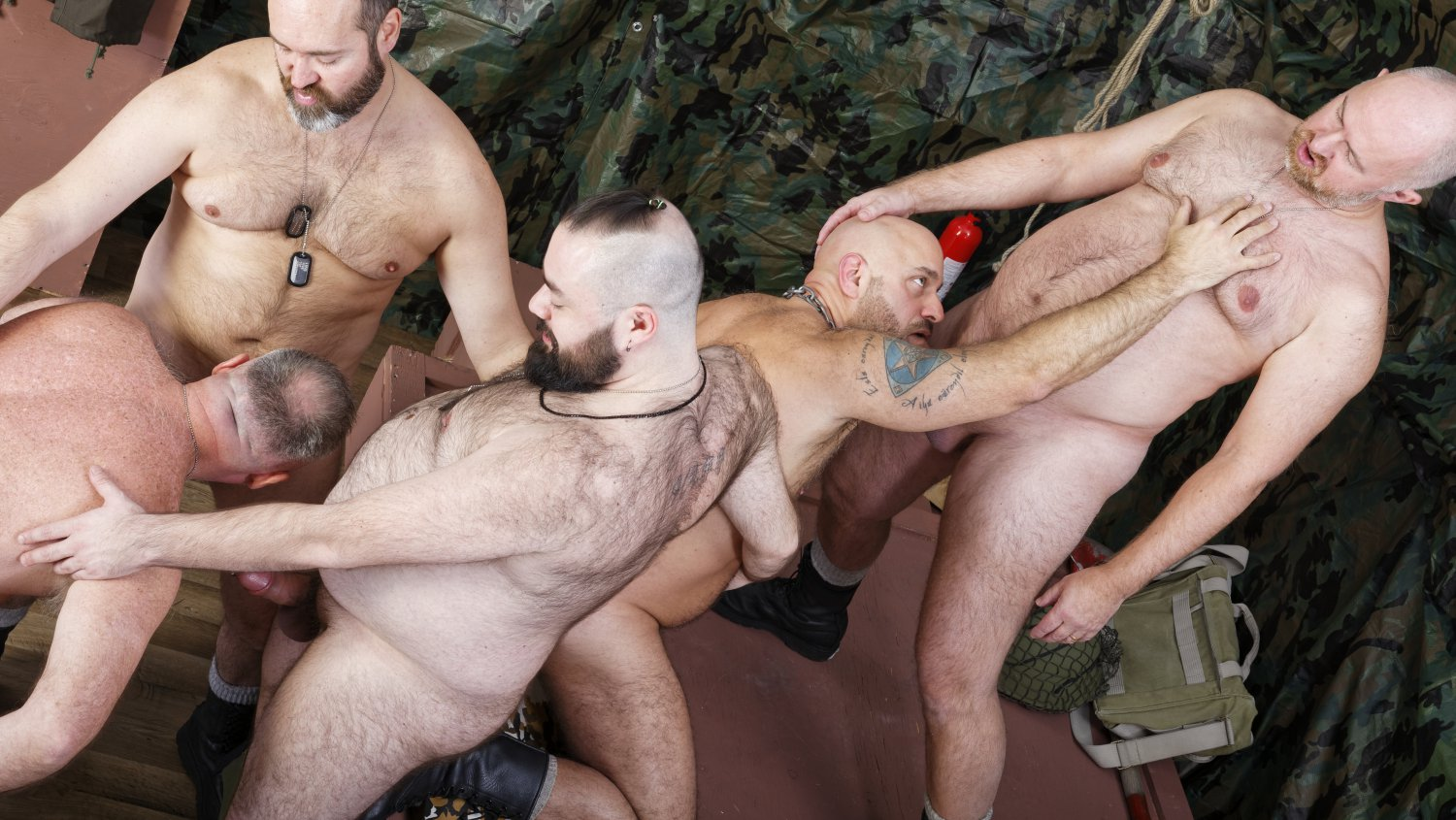 5-boy Army Bang-out! – Bearfilms