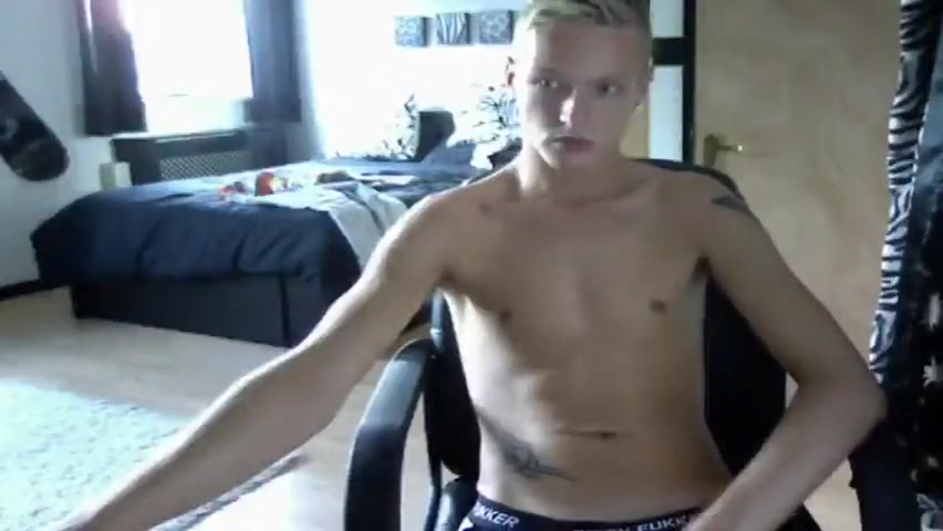 Super-sexy Blonde Stud